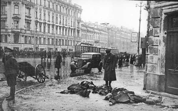 Блокадный Ленинград - фото людей погибших от бомбежки