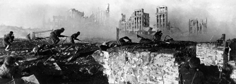 Разгром врага в ходе героической обороны Сталинграда, длившейся полгода, стал переломным.
