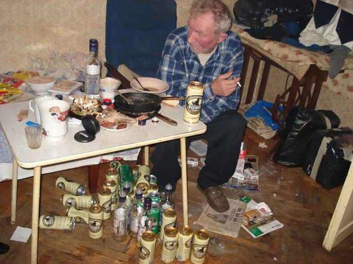 Запойный алкоголик, Квартира алкоголика, Жильё алкоголика ... Аллергия на Алкоголь